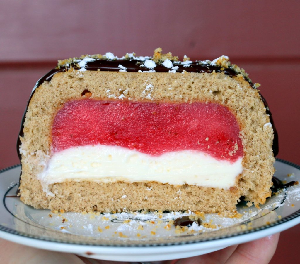 the best strawberry cheese tunnel cake