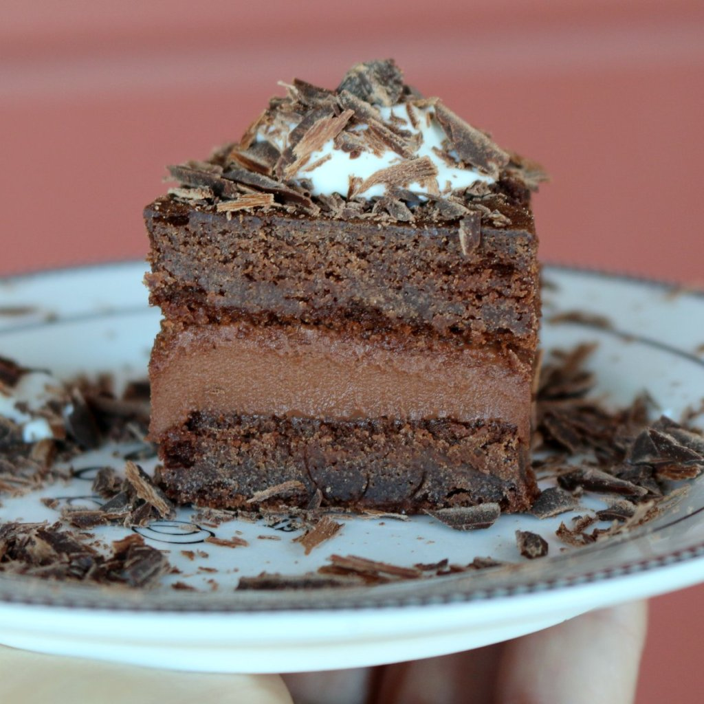 rigo jancsi cake-the best chocolate cake
