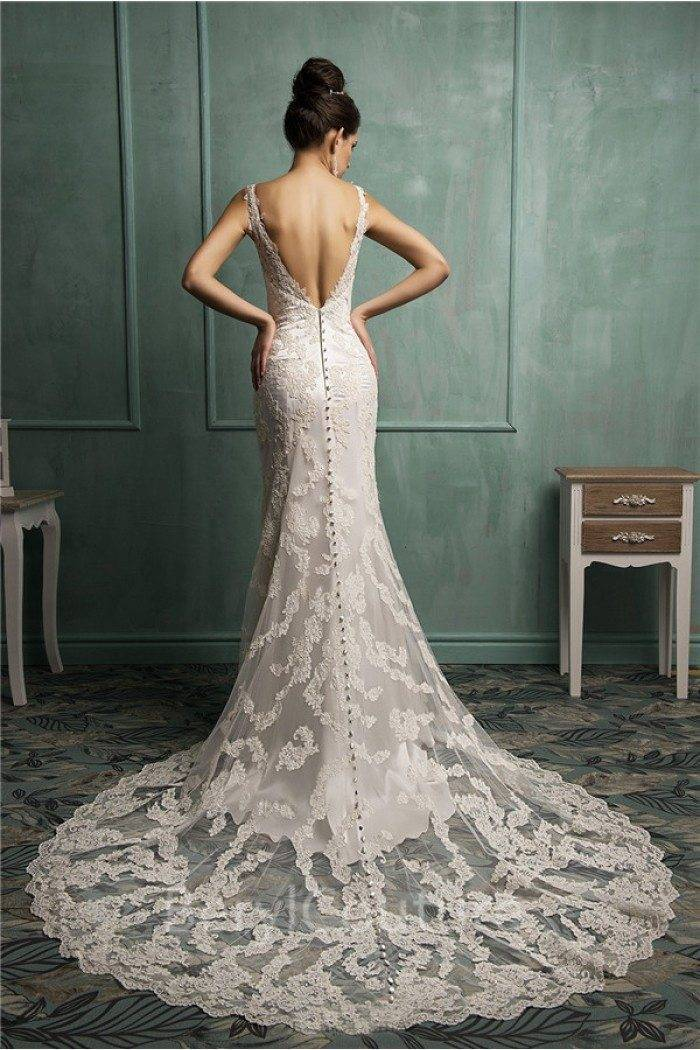 Stunning lace work - Image: Beryl Couture Store
