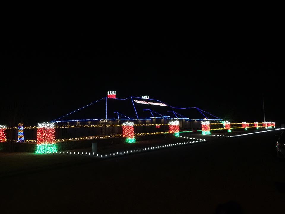 Christmas Lights 14947445 1450318131645319 9081896616415791390 n