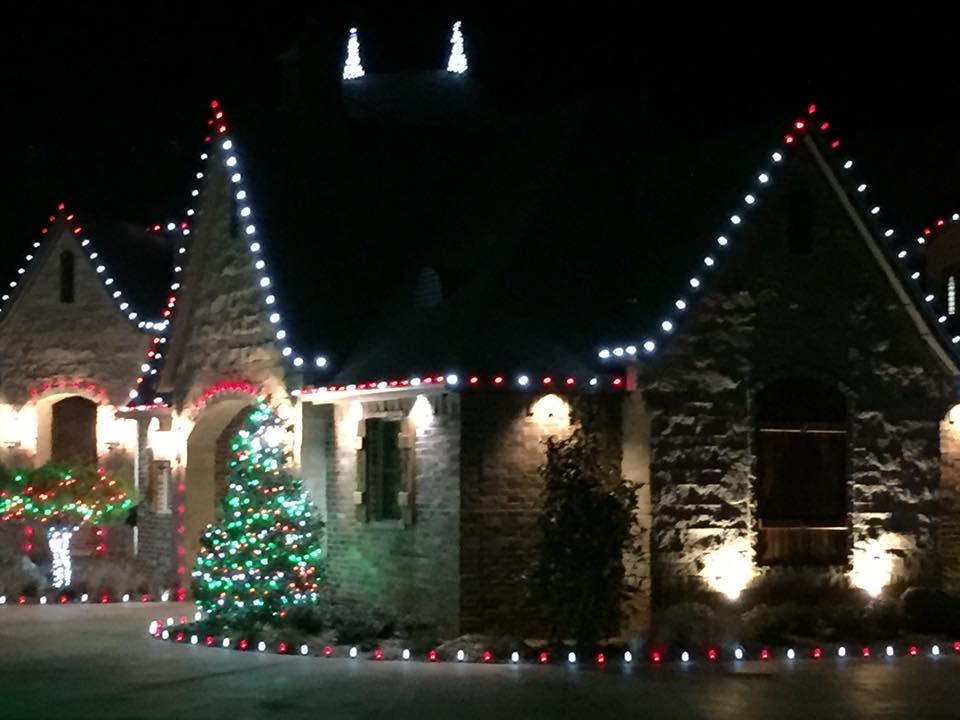 Christmas Lights 15181432 1474600505883748 678112533753159901 n