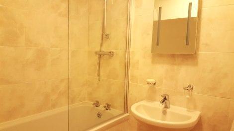 Brand new bathroom with plenty of hot water