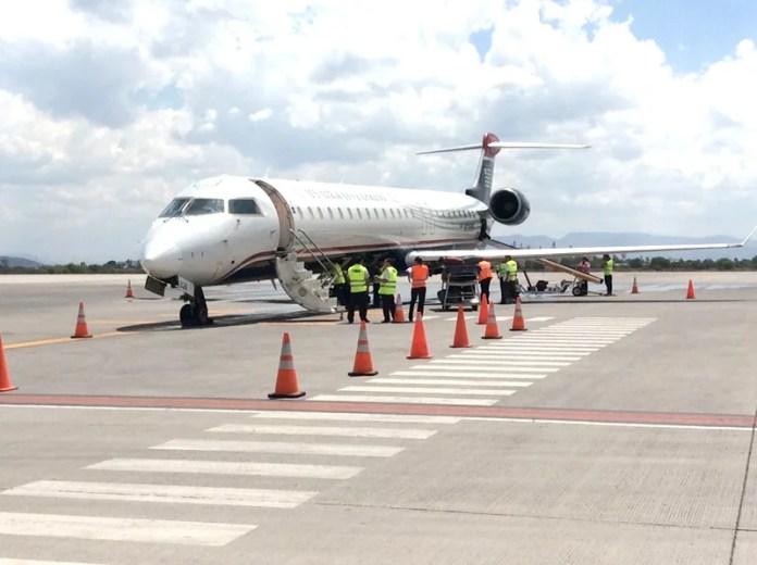 Aprueban diputados reformas para regular servicio de aerolíneas