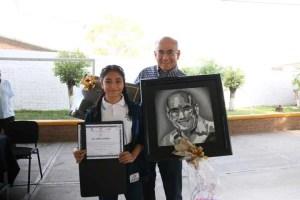 Secundaria Técnica No. 30 reconoce al diputado local Antonio Zapata