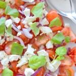 Tomatsalat med feta og chili | 6pm.dk