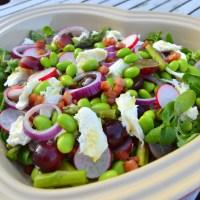Bønnesalat med edamame og vindruer