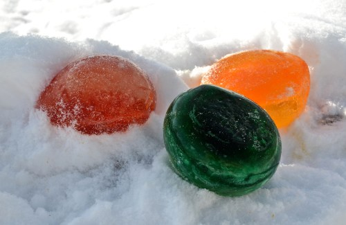 Colored Balloon Ice Balls...Fun & EASY - 719woman.com