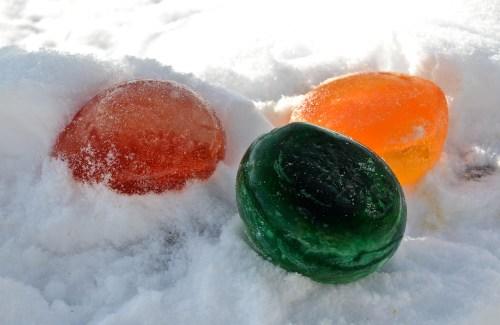 Colored Balloon Ice Balls...Fun & EASY - 719woman.com