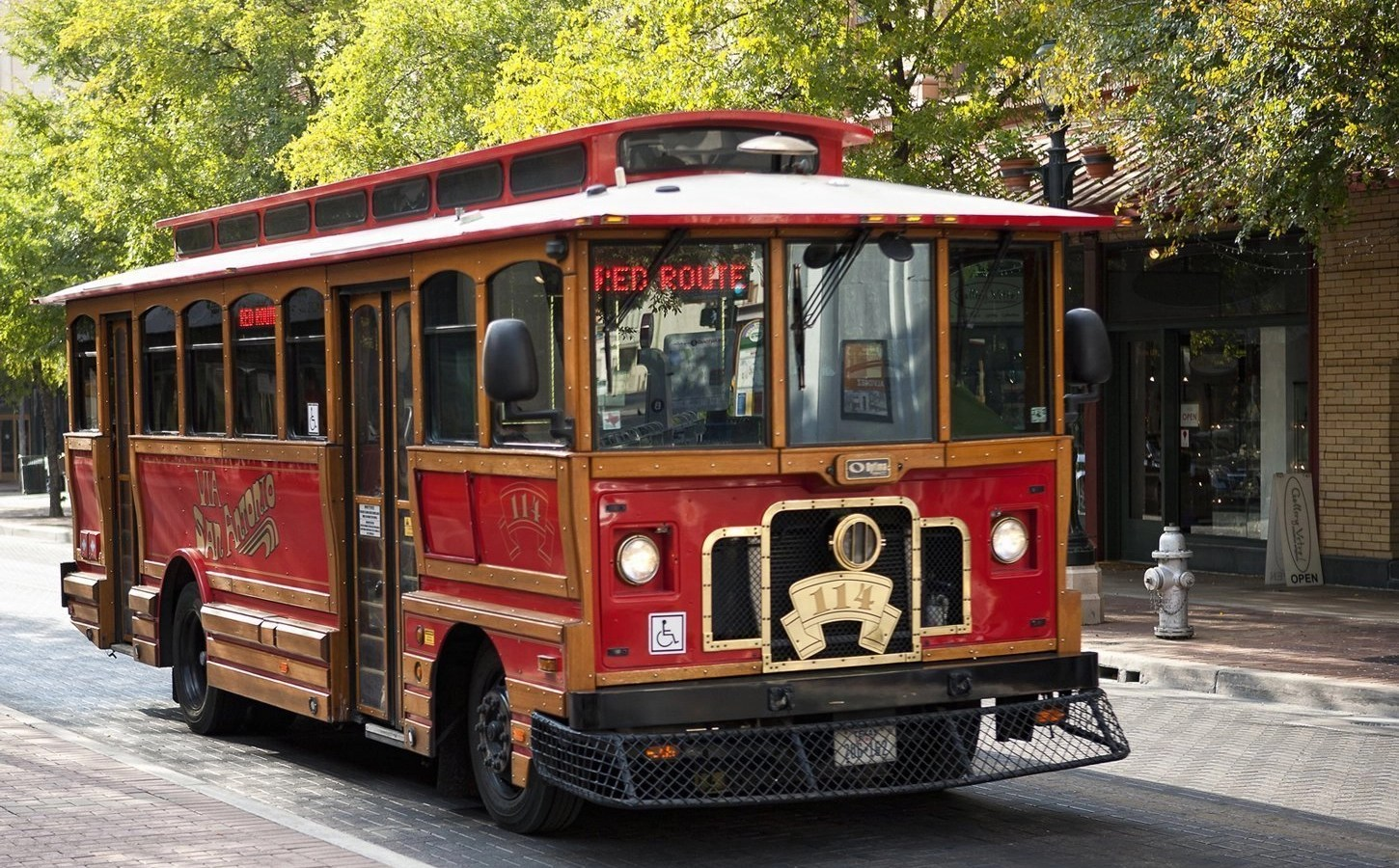 Options for getting around in San Antonio, Texas
