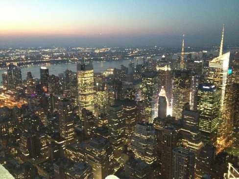 Vista noturna de NY, Empire do State, NYC.