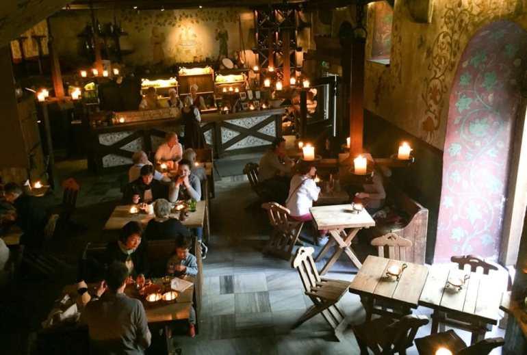 Medieval thematic restaurant, Tallinn
