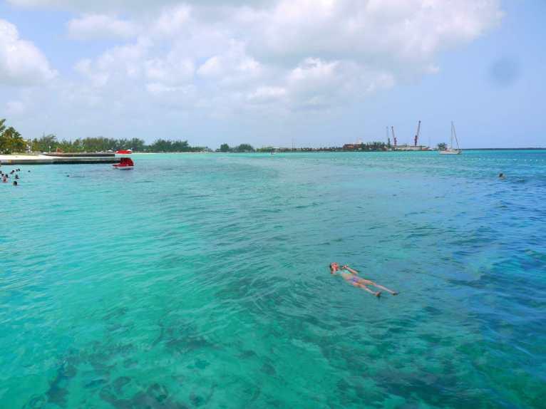 Praia Junkanoo, Nassau, Bahamas.