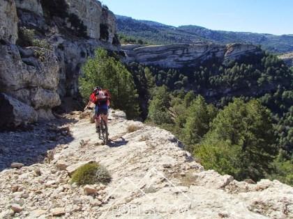 7 pobles 3 regnes btt tinença mountain bike bicicleta todo terreno trailrunning senderismo senderisme trekking el boixar fredes coratxa castell de cabres bel la pobla de benifassà el ballestar
