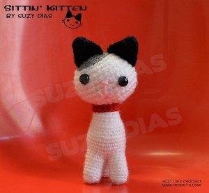 Sittin' Kitten Amigurumi by Suzy Dias