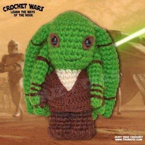 Crochet Star Wars Amigurumi Kit Fisto by Suzy Dias