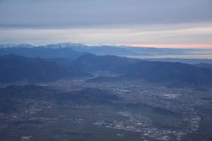 Anflug auf Bergamo in der Morgendämmerung