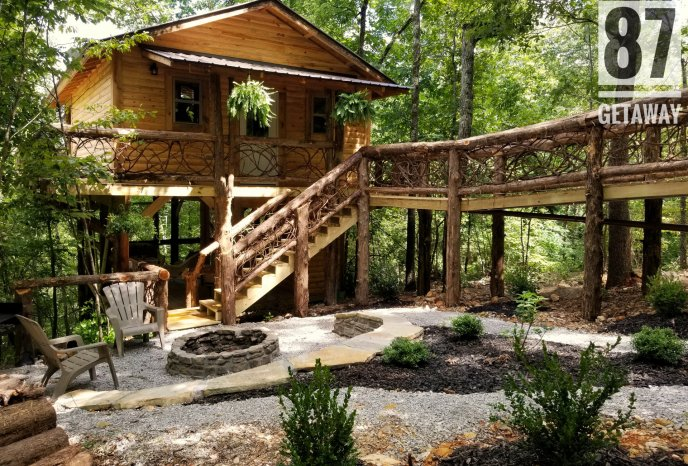 The treehouse in all its glory