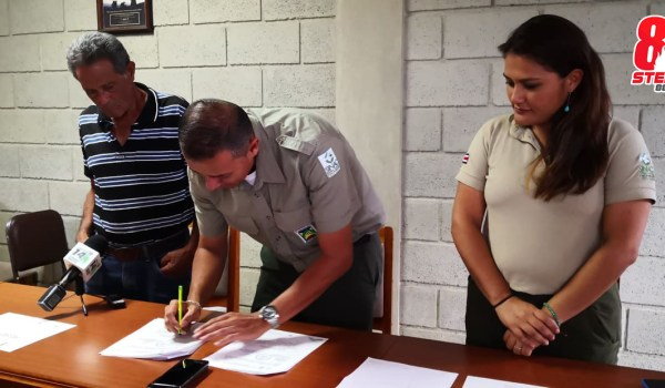 Firman permisos para visitar el Cerro Urán