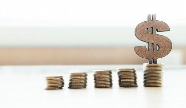 Defensoría cuestiona «aumento indirecto» en el costo de créditos bancarios