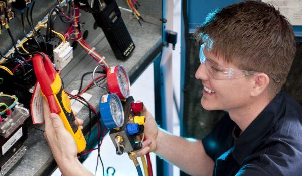 2.000 cupos disponibles para cursos de formación técnica para obtener trabajo