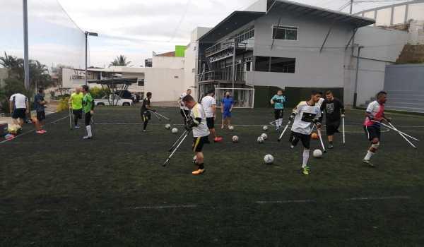 15 muchachos amputados buscan representar a Pérez Zeledón en campeonato nacional de fútbol