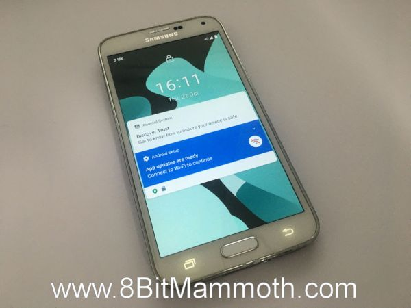 A photo of LineageOS 17 on a Samsung Galaxy S5 G900T mobile phone