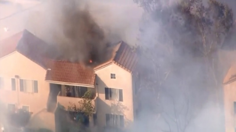 LIVE: Aerial footage of Railroad Fire in Santa Clarita