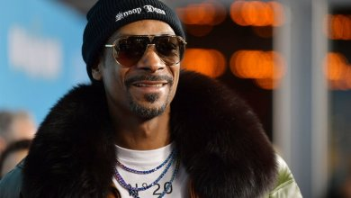 Photo of Photos Showing Snoop Dogg's Son Wearing Makeup & Earrings Appear Online
