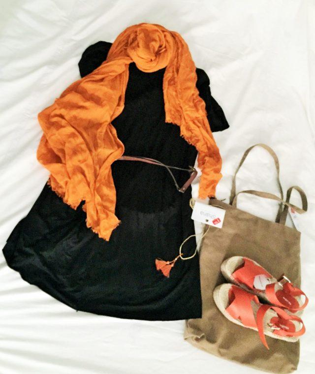 Look orange. 1. Vestido (Stradivarius 5,95€). 2. Cinturón (Shana 0,99€) 3. Colgante (Shana 1,99€)