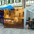 Malerei auf dem Kunsthandwerkermarkt