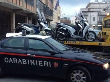 Posti di blocco dei carabinieri a Paternò