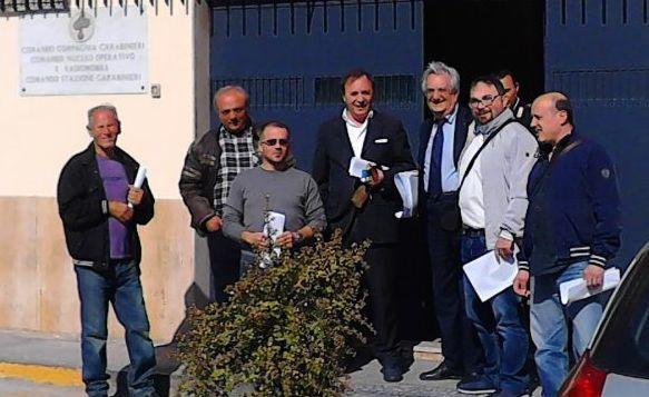 A colpi di carte bollate: la petizione sull'Irpef finisce dai carabinieri
