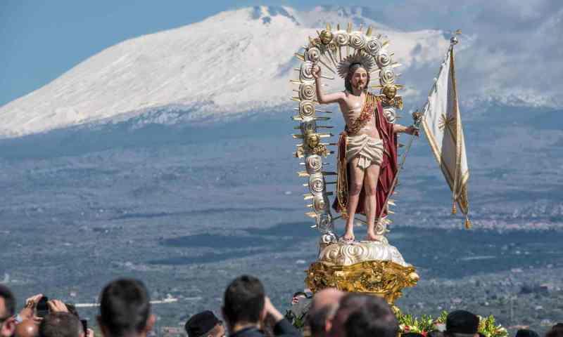 Pasqua, il VIDEO dei fuochi e l'entrata a Santa Margherita