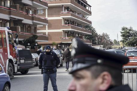 LATINA: Spara alla moglie e uccide le figlie Suicida il carabiniere di Latina