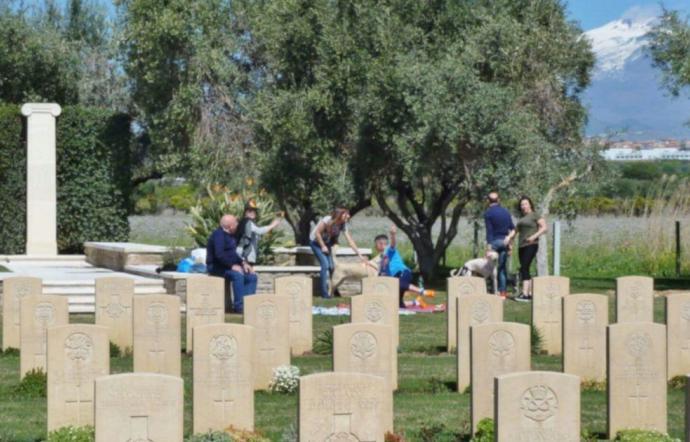 CATANIA: Pasquetta con picnic al cimitero