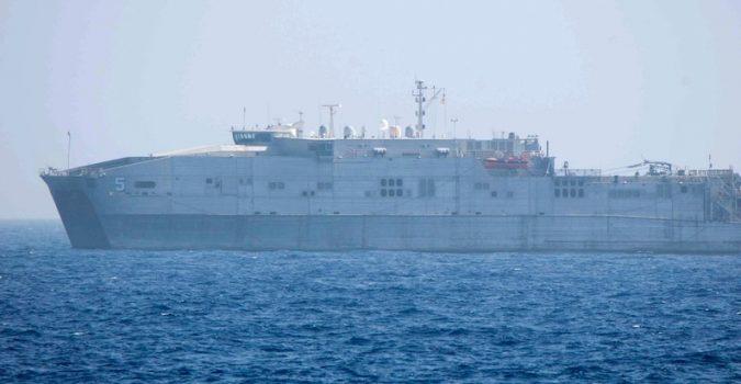 """Augusta, nave Usa senza celle frigorifere abbandona 12 cadaveri in acqua: """"urgente attraccare, necessaria assistenza immediata"""""""