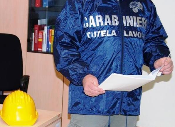 PATERNO': RISTORANTE E BAR FUORILEGGE, DUE DENUNCE E UN'ATTIVITÀ SOSPESA