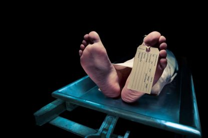 """SUDAFRICA: VIENE DICHIARATA MORTA DOPO UN INCIDENTE, SI """"SVEGLIA"""" NELLA CELLA FRIGORIFERA DELL'OBITORIO"""