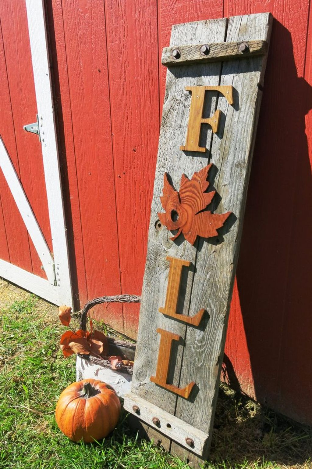 Easy But Inspiring Outdoor Fall Decoration Ideas 12