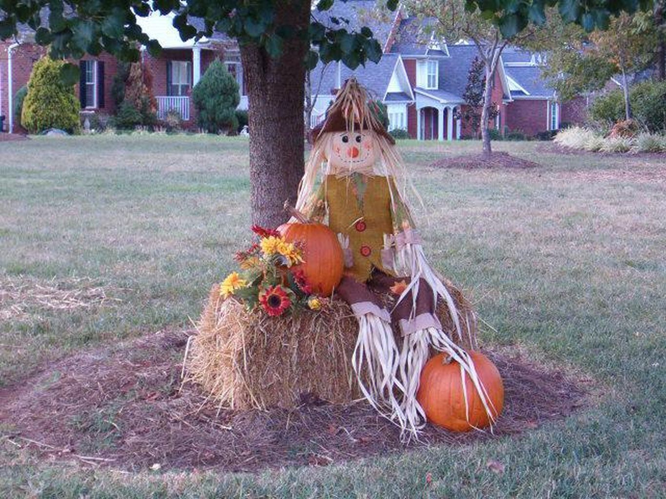 Easy But Inspiring Outdoor Fall Decoration Ideas 77