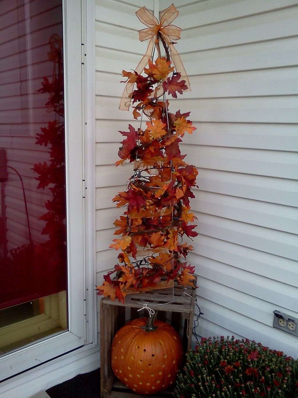 Easy But Inspiring Outdoor Fall Decoration Ideas 89