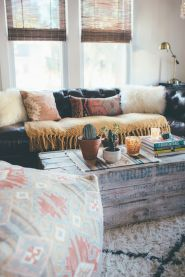 Modern Rustic Bohemian Living Room Design Ideas 73