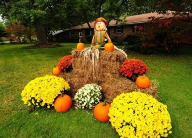 Scary Front Yard Halloween Decoration Ideas 63
