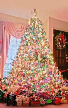 Cute And Adorable Pink Christmas Tree Decoration Ideas 02
