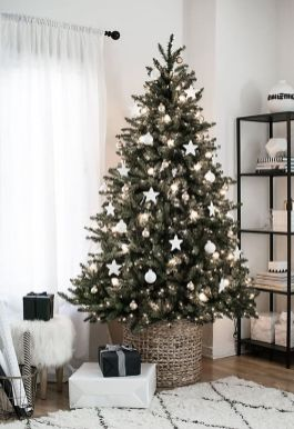 Easy And Creative DIY Christmas Tree Design Ideas You Can Try As Alternatives 39