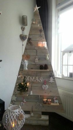 Easy And Creative DIY Christmas Tree Design Ideas You Can Try As Alternatives 51
