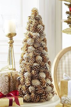 Easy And Creative DIY Christmas Tree Design Ideas You Can Try As Alternatives 76