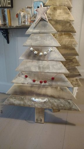 Easy And Creative DIY Christmas Tree Design Ideas You Can Try As Alternatives 83
