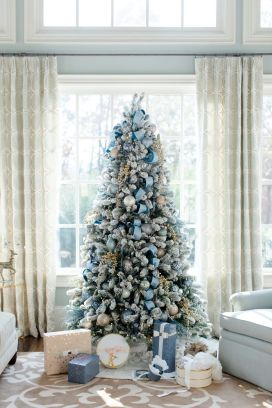 Elegant White Vintage Christmas Decoration Ideas 06