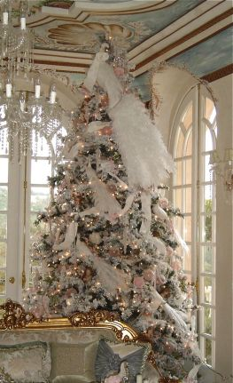 Elegant White Vintage Christmas Decoration Ideas 27